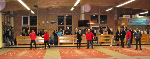 Hubertushof lud seine Mitarbeiter zum Stockschießen in unsere Stocksporthalle