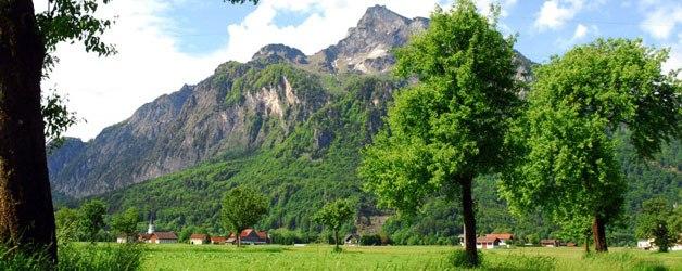 Der Ort Grödig liegt im Bundesland Salzburg in Österreich